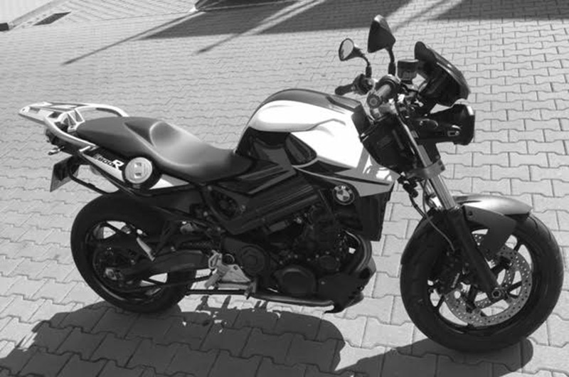 motocykl-BMW-F-800-R